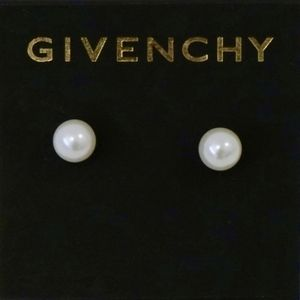 GIVENCHY~5mm glass pearl stud~EARRINGS~NWT